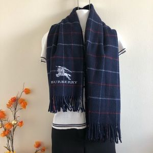 💯 authentic Burberry London scarf